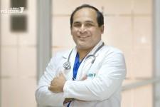 Dr. Oscar Villacís I.